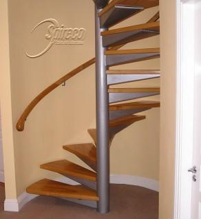 'Red Alder' Handrail & 'Silver Turret' Spiral