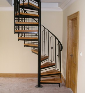 'Carpenterstown Traditional' Spiral Stairs