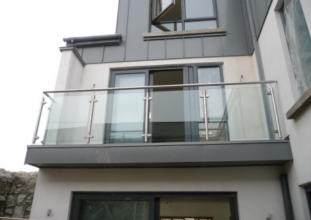 'Garville' Stainless Steel & Glass balustrade