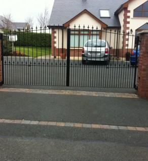 Powder-coated Driveway Gates