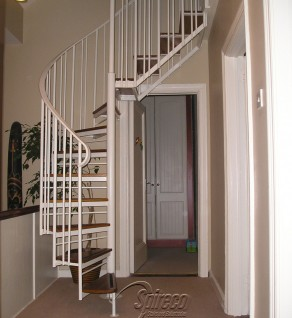 'Executive Hip' style Spiral Stairs