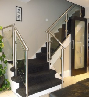 'Oaklands' Stainless Steel & Glass Balustrade
