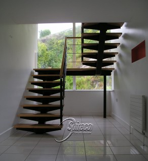 'Redrock' Bat-Wing Stairs