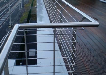 'Clasac' Side-mounted Stainless Steel Roof Balustrade