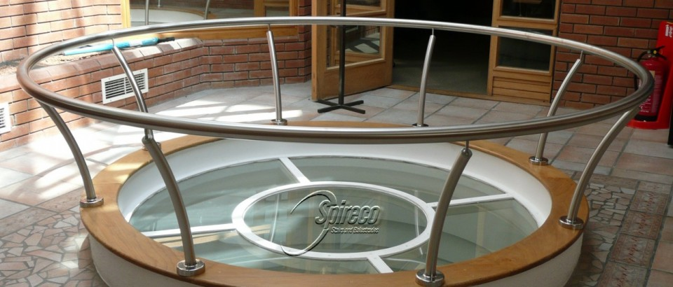 Circular Stainless Steel Handrail