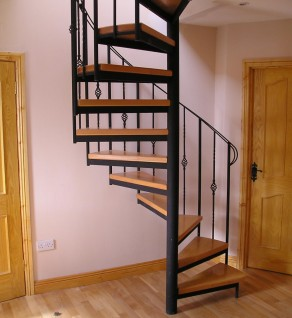 'Traditional' style Spiral Stairs