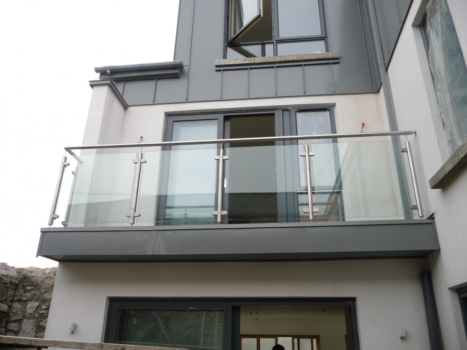 Carrickbrack balcony balustrade spireco spiral stairs for Stainless steel balcony