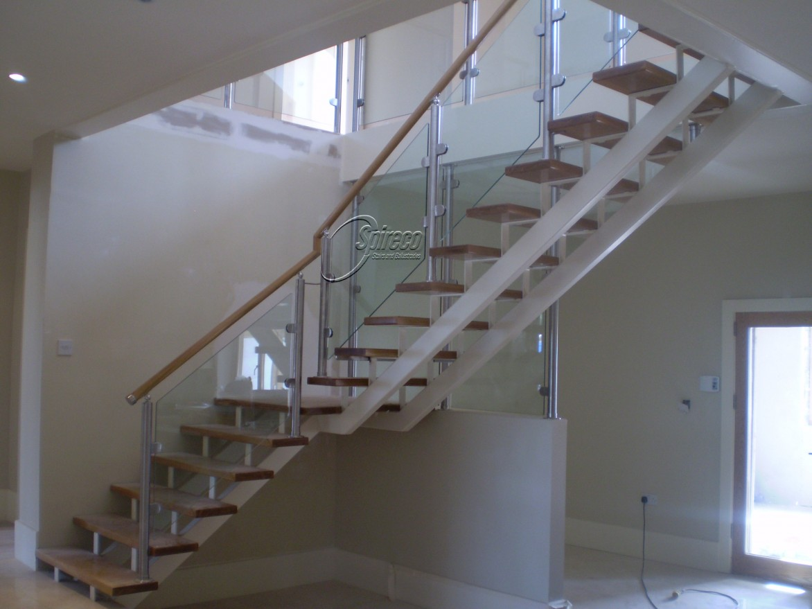Half Spiral Staircase Home Design